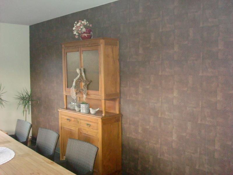 Behangpapier Slaapkamer Heytens : Bruin behangpapier living schilderwerken vereecken
